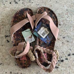 muk luks estelle sandals • blush • 9 • new